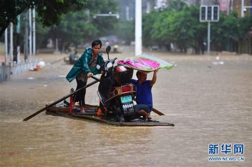 广西融水:洪峰过境