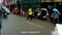 一乘客高速路上晕倒吐血 四川交警开道护送至医院